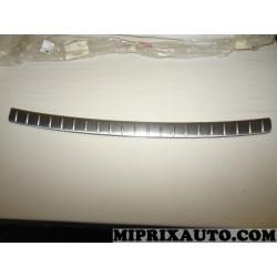 Seuil parechocs arriere hayon de coffre Opel Chevrolet original OEM 96623486 pour opel captiva C100 partir de 2007